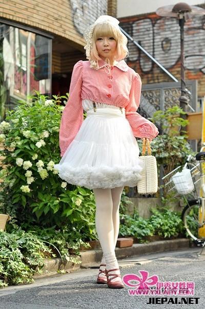 街拍东京美女街头夏装搭配