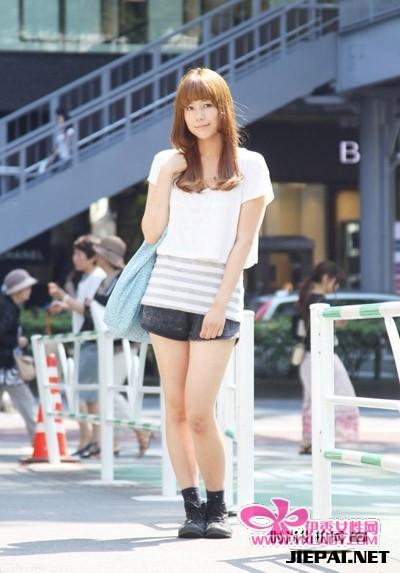 街拍东京美女街头潮流搭配