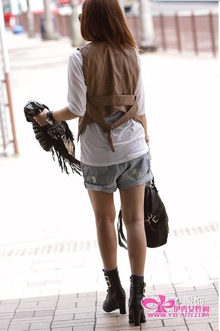 潮靴+包包完美搭配(15)