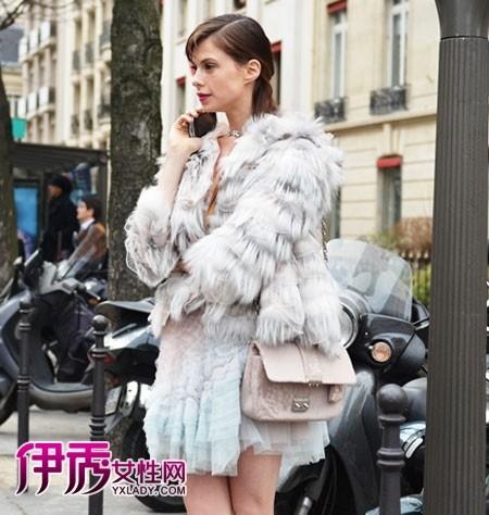 清新 高级/2012春夏高级定制秀的完美落幕,在法国巴黎的时尚秀场上又是一...