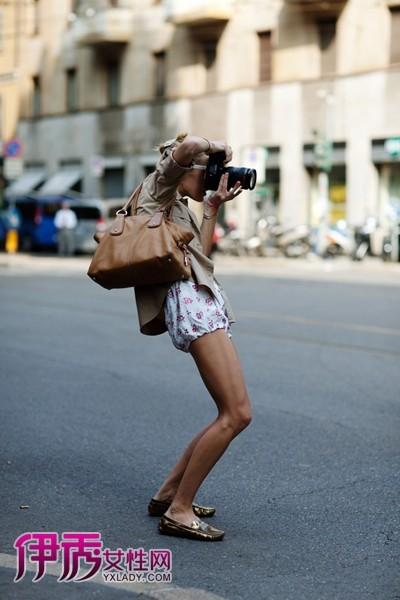 2012欧美街拍美女 飒爽姿态在拍与被拍_欧美街拍_服饰图片