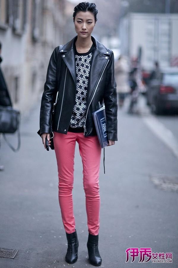 米兰/【图】米兰时装周街拍紧身裤和宽外套的显瘦策略06