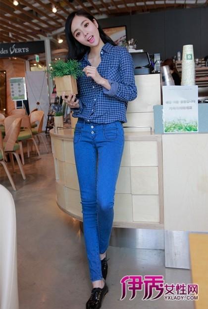 韩国牛仔裤车模_韩国美女牛仔裤性感_韩国美
