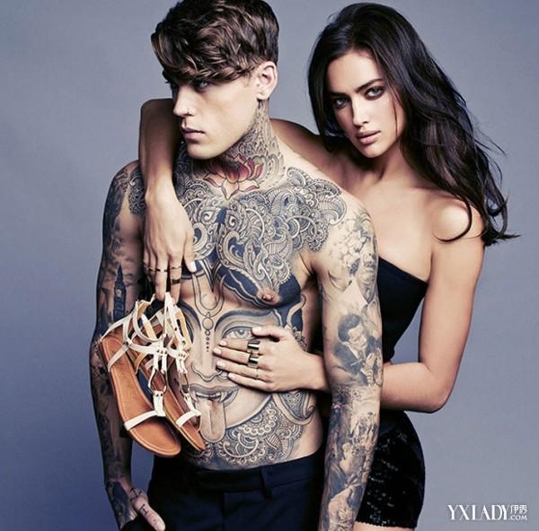 俄罗斯超模和纹身男模stephen james 大玩身体暧昧,当然主打的还是xti
