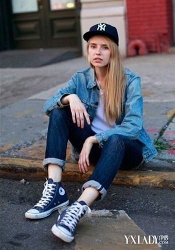 匡威高帮帆布鞋从夏穿到冬 欧美街拍潮人教你鞋子搭配图片