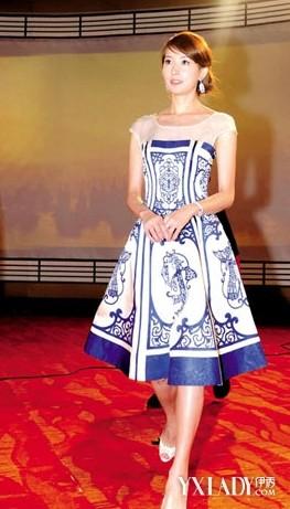青花瓷礼服是充满东方韵味的时尚感-林志玲礼服中国古典风图片