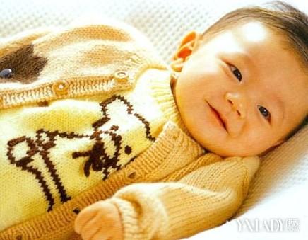 男儿童毛衣编织花样小熊背心和对襟毛衣