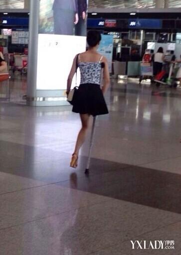 【组图】独腿女孩穿高跟鞋 竖