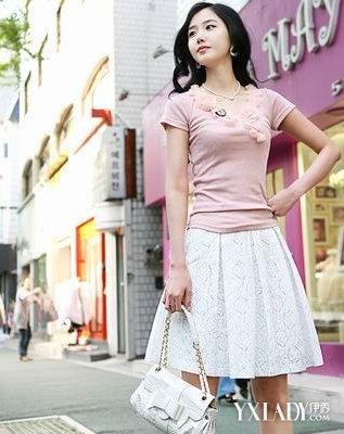 【图】白色裙子搭什么颜色的上衣 简单搭配教