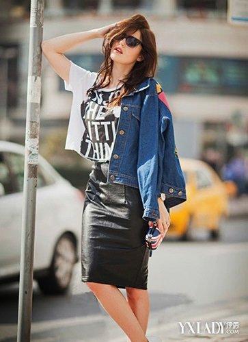 【图】女深色牛仔衣搭配 原来这么简单这么美图片