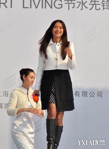 【图】明星黑丝长靴搭配图片展示 潮流搭配教