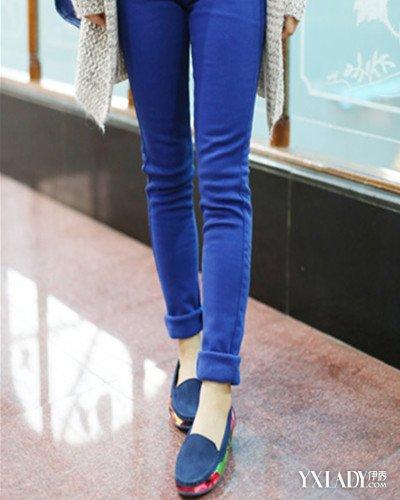 【图】漂亮蓝色鞋子搭配图