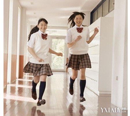 【图】短裙初中女生校服搭配4款版本教材2016初中校服短裙广东图片