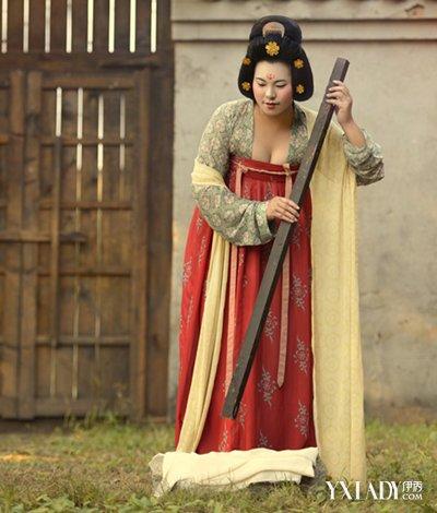 唐朝服饰女图片介绍 华贵性感的朝代之作图片