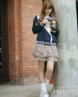 【图】美女帆布鞋白袜子是怎么搭配的
