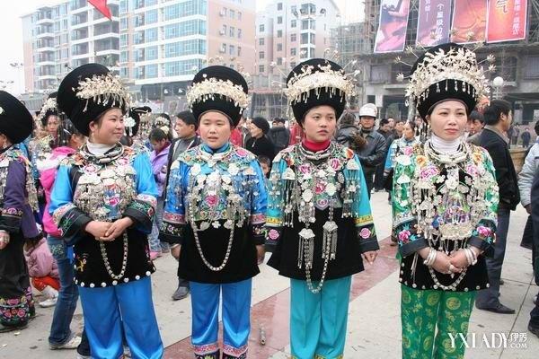 【图】贵州黔西南苗族服饰大图 贵州黔西南苗族服饰文化浅析