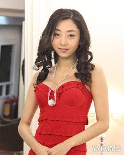 【图】中国第一美胸模特张茜儿泳装照