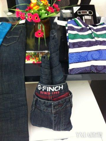牛仔裤折放方法大全 折叠方法隐含的意义