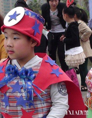 【图】男孩环保服装秀图片欣赏