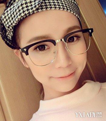 【图】戴黑框眼镜的美女气质十足