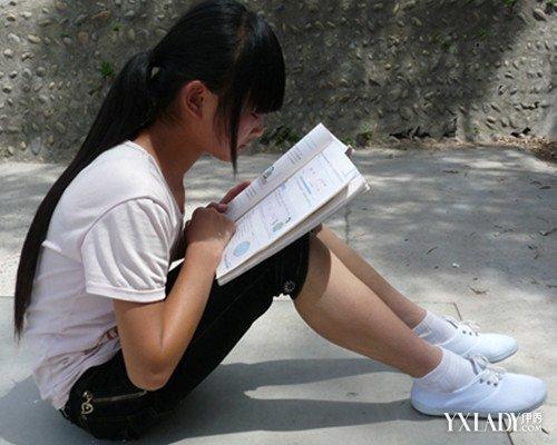 【图】美女运动鞋配白袜图片 三种搭配方法让你与众不