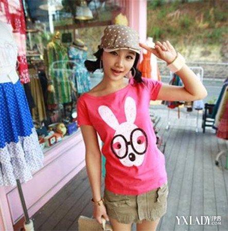 【图】女生粉红色t配裤子图片 凸显青春无限活