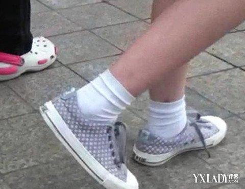 【图】盘点高中女生白袜帆布鞋