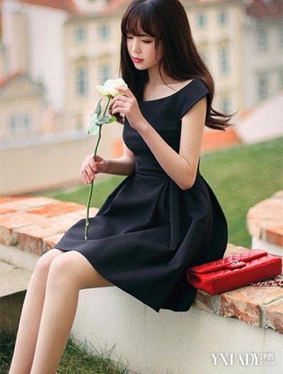 【图】超短性感连衣裙美女搭配魅惑黑色连衣博微吧美女图片