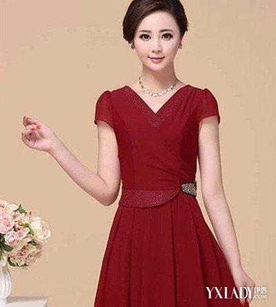 酒红色欧根纱连衣裙