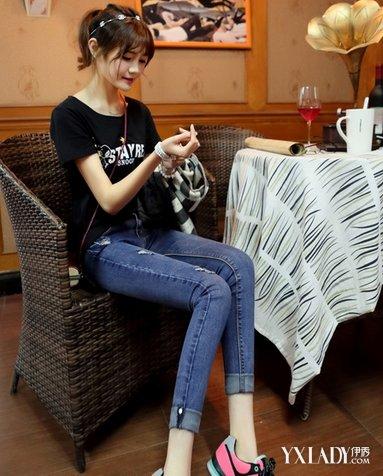 【图】初中时尚穿超初中裤尽显青春女生活力学生紧身你图片