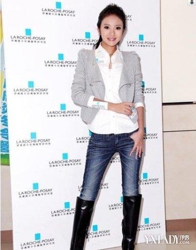 安以轩穿紧身牛仔裤 大长腿被赞性感图片