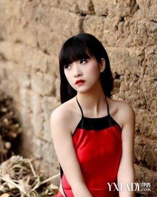 【图】肚兜古装美女图片 大红色穿出奢靡宫廷