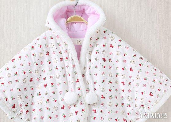 婴儿斗篷图片欣赏 教你如何搭配时尚斗篷