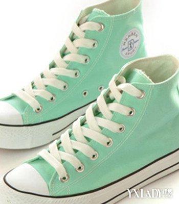 【图】帆布高帮鞋女秋款来袭 3款减龄鞋子让你