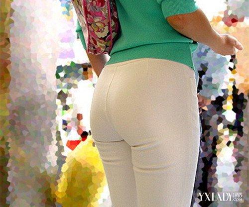 【图】白色紧身牛仔裤圆臀图片 教你如何搭配紧身牛仔