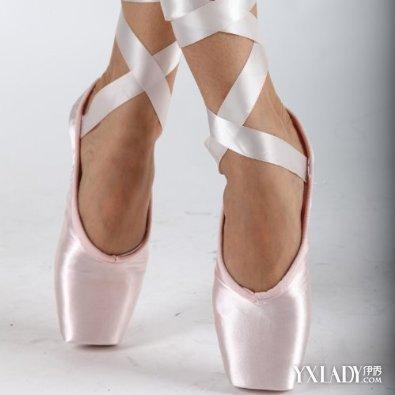 【短靴的秘密】 唯美漂亮的芭蕾舞鞋图片欣赏 如何挑选适合自己的芭蕾