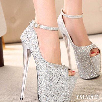【世界上最漂亮的水晶高跟鞋】儿童最漂亮的高跟鞋,鞋