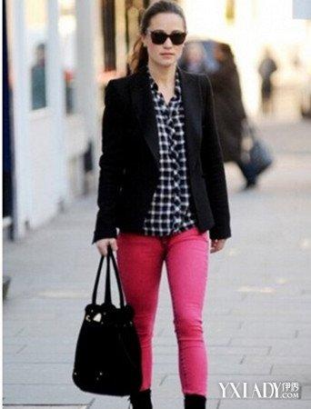 红黑格子衬衫搭配外套技巧 轻松穿出个性时尚