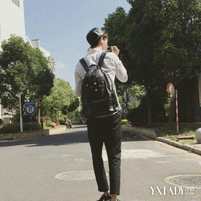 【图】男生头像背影背包图片赏析