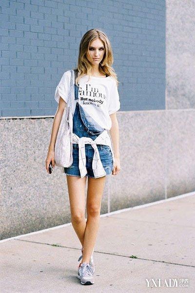 【图】街拍女生运动鞋搭配变法 不只有牛仔t恤图片