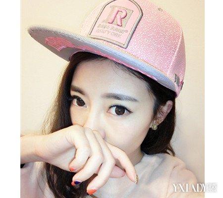 【图】休闲女生带帽头像