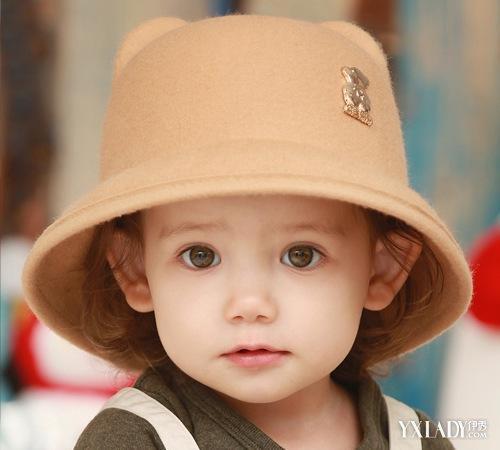 戴帽子孩子表情包分享展示