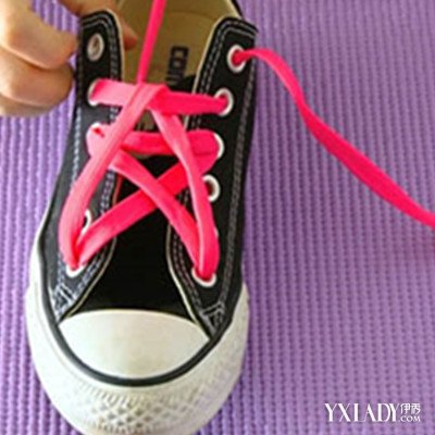 盘点五角星鞋带系法图解 七招教你轻松系出时尚鞋带图片