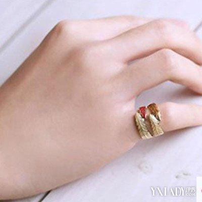 【图】女生右手中指戴戒指什么意思 戒指的戴法介绍图片