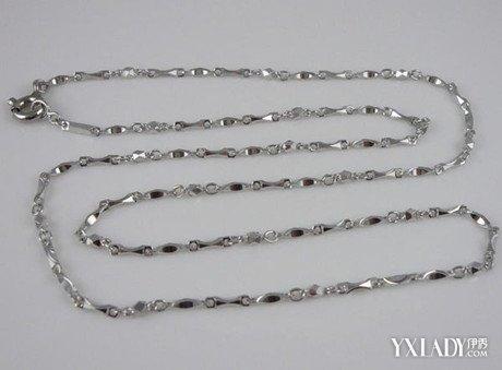 铂金/铂金:是一种本身即呈天然白色的贵金属。