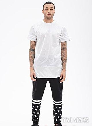 篮球鞋夏季搭配什么上衣更好看 让运动流行起