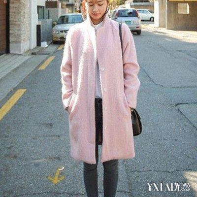 【图】粉色呢子大衣搭配图片欣赏 教你搭配小技巧