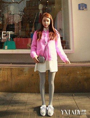 女生白色花边袜拖鞋
