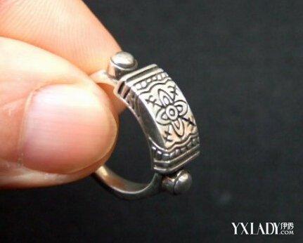 戒指 饰品/手指偏粗
