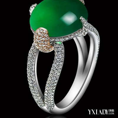 展示高档翡翠戒指镶嵌图片 揭秘翡翠的镶嵌材料有哪些